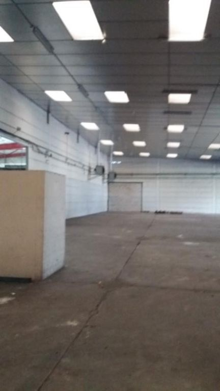 LOCAL INDUST. / ACTIVITES AMILLY - 1180 m2 2/10