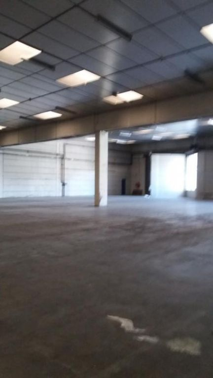 LOCAL INDUST. / ACTIVITES AMILLY - 1180 m2 4/10
