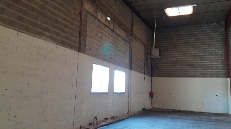 LOCAL INDUST. / ACTIVITES AMILLY - 1180 m2 10/10